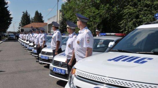 День ДПСника: в Омске остановили пьяного водителя с незаконной тонировкой и без страховки