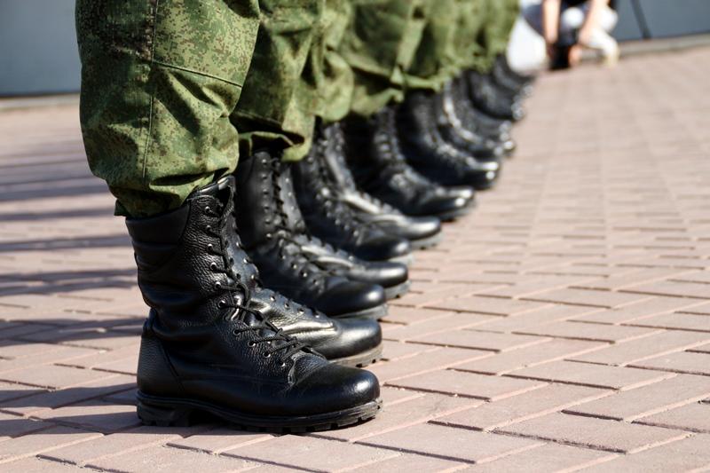 Более 20 омских военнослужащих получат квартиры от мэрии