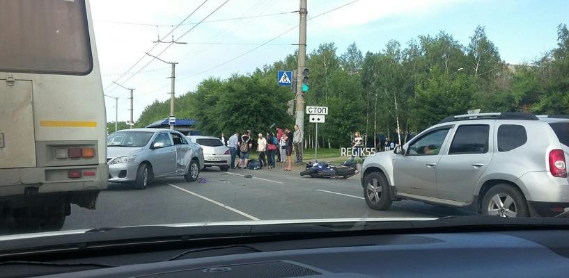 В Омске разбился на дороге еще один байкер