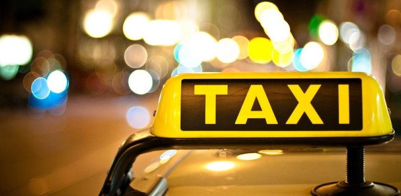 Омский таксист украл у клиента оставленный в залог смартфон