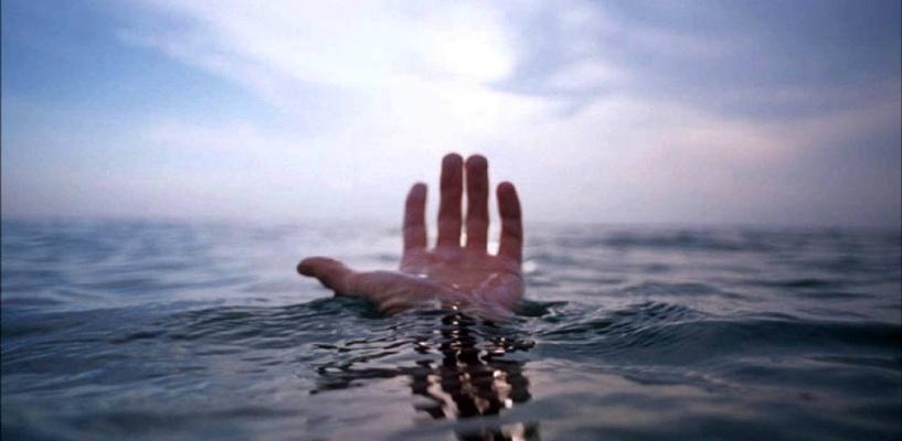 В Омске на берег Иртыша вынесло тело утонувшего мужчины