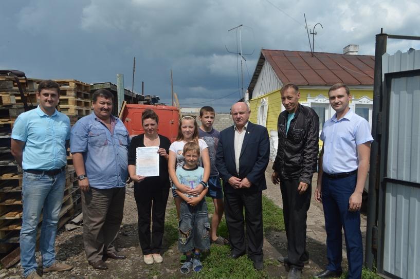 Омичка получила корову, о которой просила губернатора Назарова