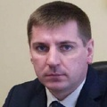 Департамента транспорта Омска беспокоится за детей и старушек, падающих в автобусах