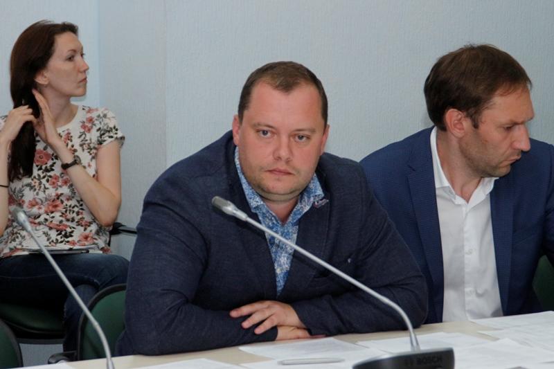 Омские маршрутки предложили перевести на безналичный расчет