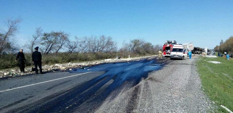 На трассе Тюмень – Омск в страшной аварии погибли три человека