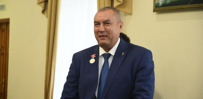 Новый мэр Омска Фролов поздравил бизнесменов с Днем торговли от Двораковского- ФОТО