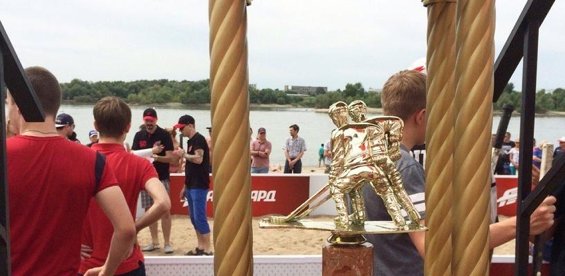 В Омске состоялся турнир по хоккею на песке