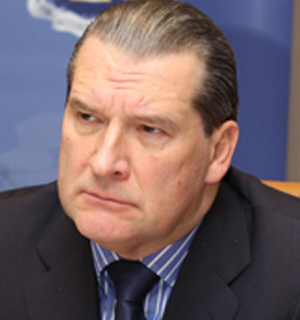 Сенатор заявил, что депутат должен получать больше, чем учитель