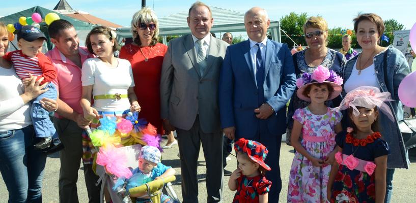 Омский губернатор поздравил жителей Тары с 423-летием города