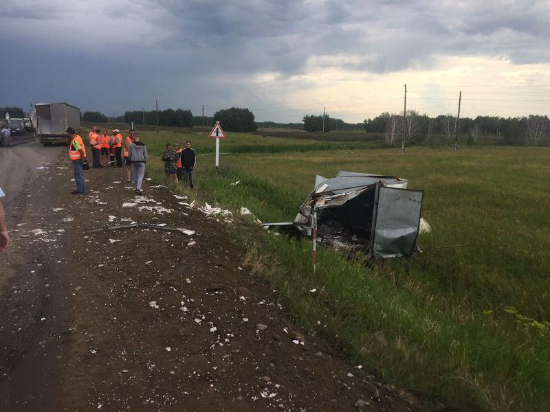 В Омской области 11 человек пострадали в аварии с рейсовым автобусом