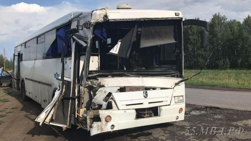 СКР возбудил уголовное дело по факту ДТП с рейсовым автобусом под Омском
