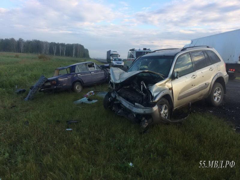 В аварии на трассе Омск – Тюмень 1 человек погиб, трое в больнице