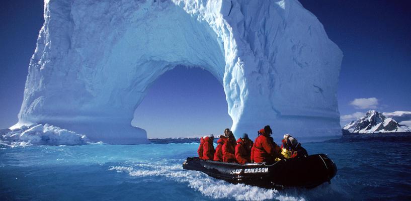 Омские туристы добрались даже до Антарктиды