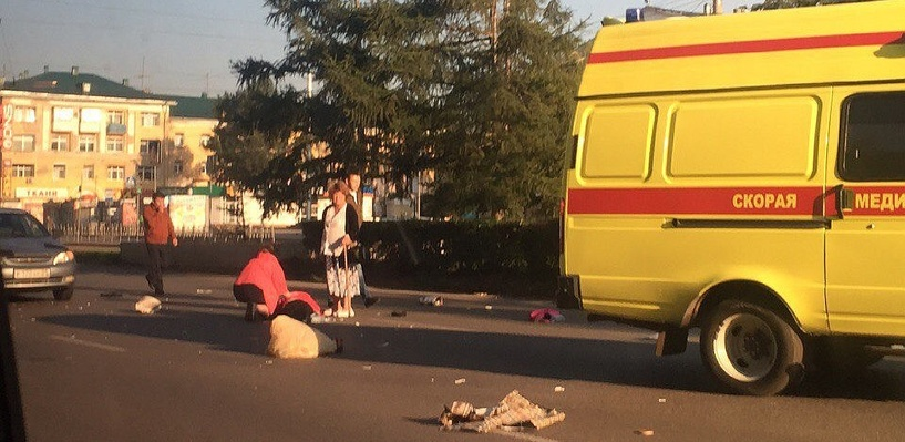 В Омске у ДК Малунцева в паре метров от перехода сбили бабушку