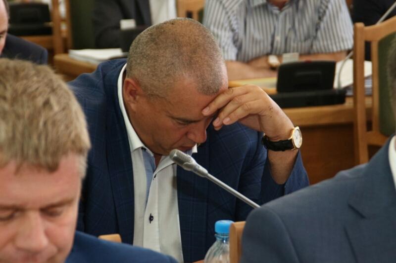 Депутаты утвердили отставку омского мэра