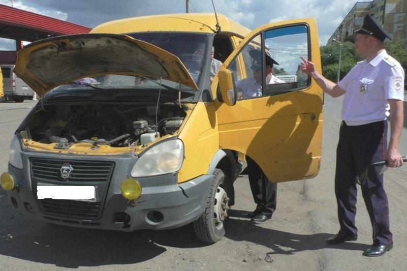 По Омску продолжают гонять переполненные маршрутки