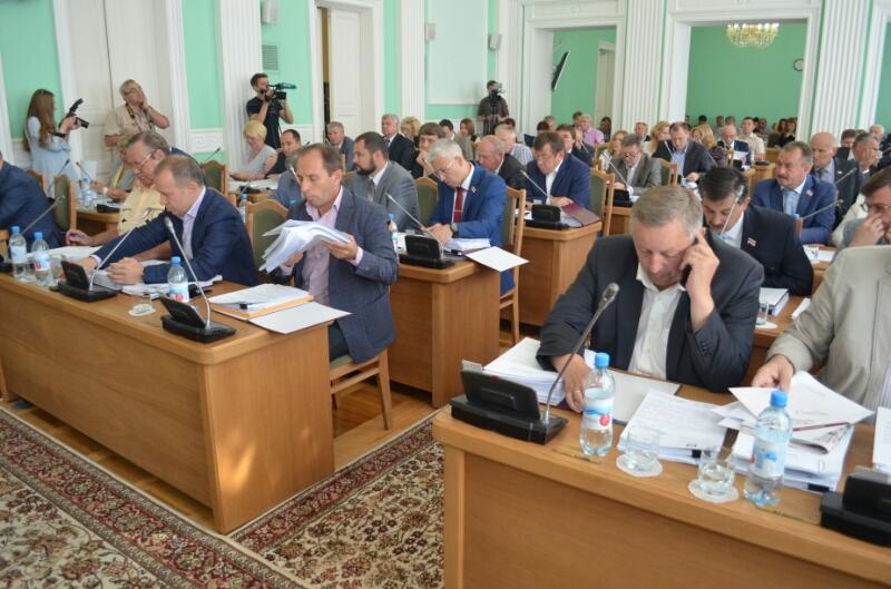 Горсовет под шумок разрешил приватизировать имущество омских ПАТП