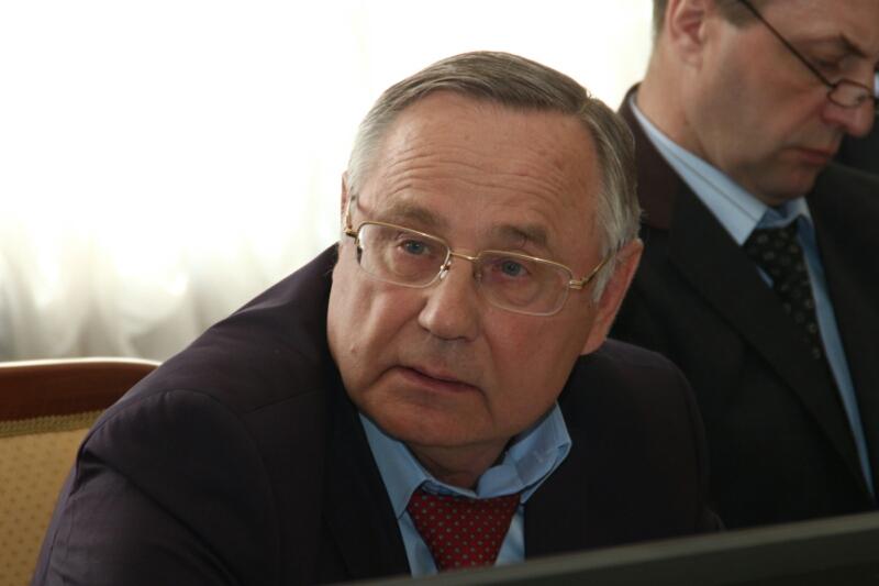 Кокорин хочет, чтобы Омский горсовет работал без каникул