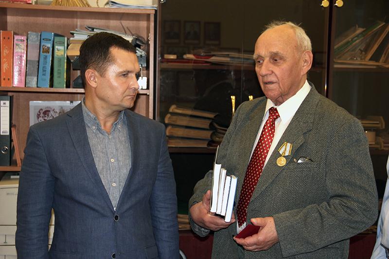 Ветеранов омского АПК наградили медалью имени Манякина