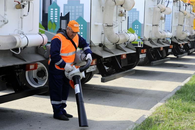 Фролов обещает, что Омск встретит День города чистым и опрятным