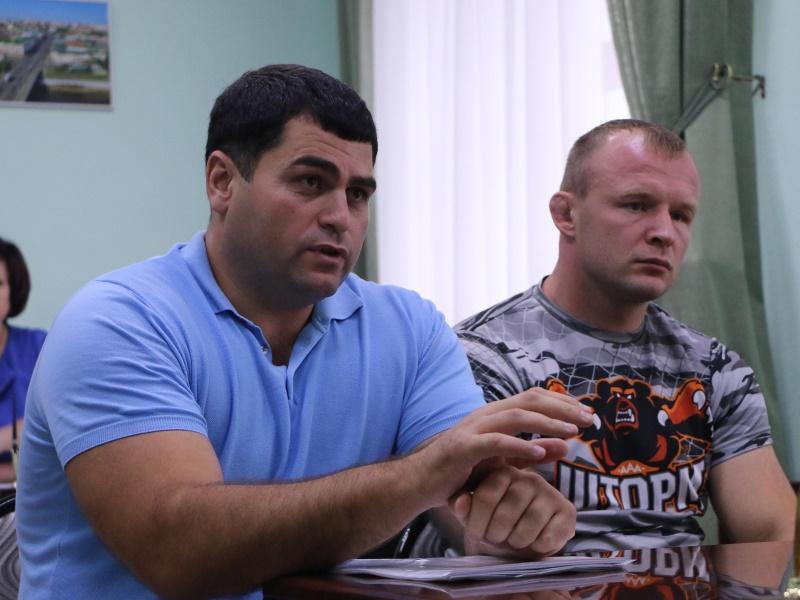 Шлеменко продолжает бороться с пьянством среди омской молодежи