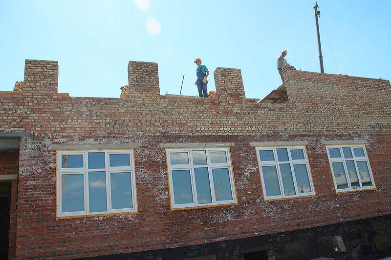 За полгода в Омской области сдали всего 200 тысяч «квадратов» жилья