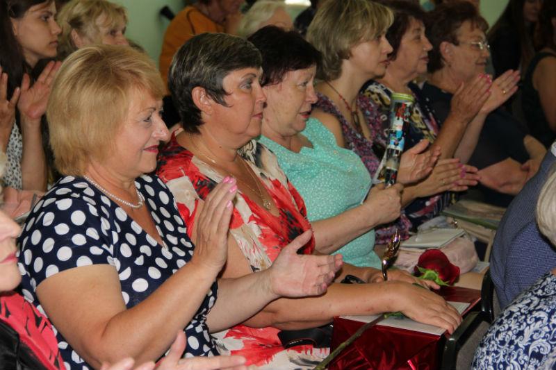 В Ленинском округе Омска выбрали лучших женщин