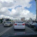 Из-за касания автобуса и иномарки в центре Омска образовалась гигантская пробка