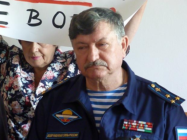 Ткачук не смог снять с выборов лидера омских десантников