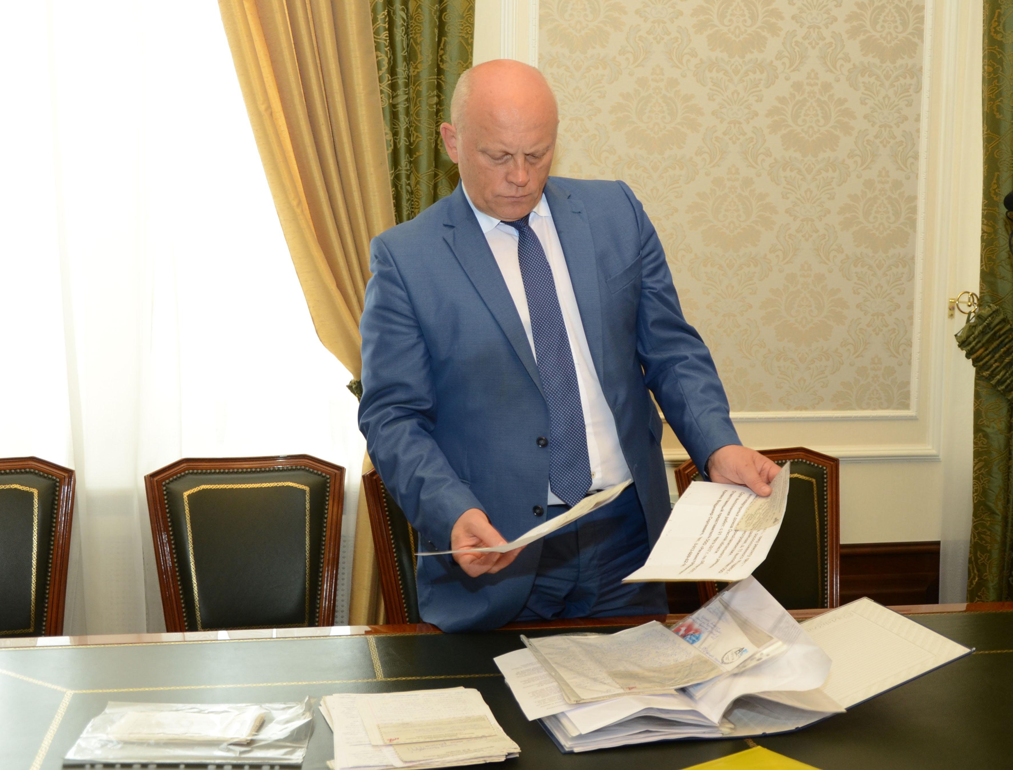 Назарову пришло 100 писем с просьбами от омичей