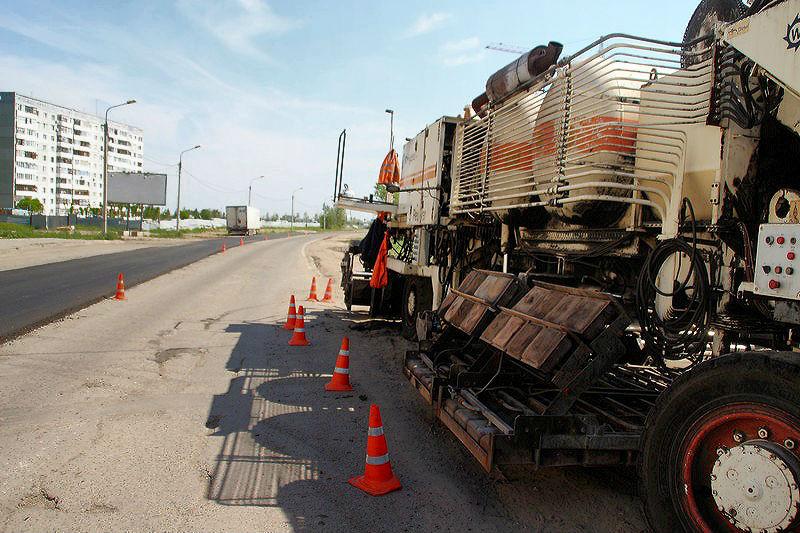 В Омске сняли старый асфальт с 3-й Транспортной