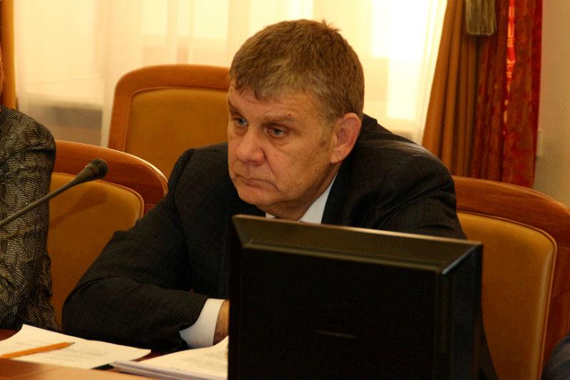 Омскому министру здравоохранения оставили 5 замов
