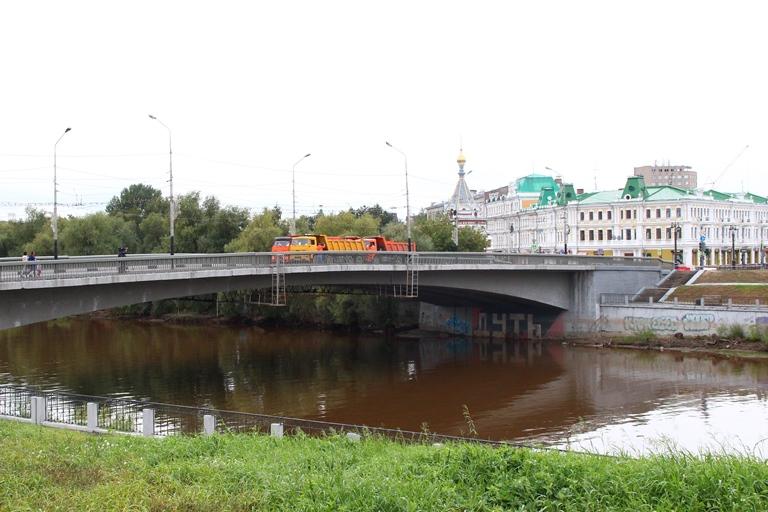 В Омске на одну ночь перекроют Юбилейный мост