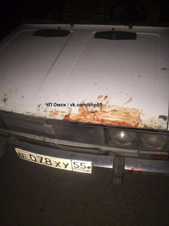 Омичи  заметили кровавые следы ночной драки на белой «шестерке»