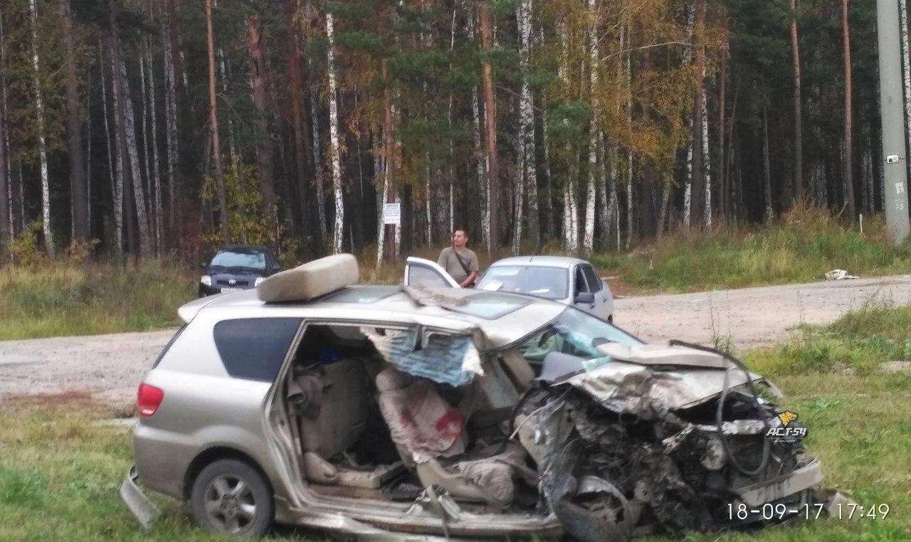 Новосибирец на «Тойоте» погиб при столкновении с омичем на «Мерседесе»
