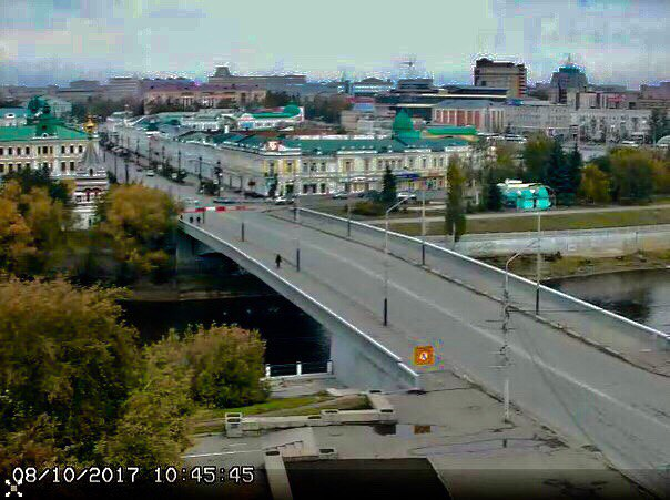 Омичи наблюдают ремонт Юбилейного моста онлайн