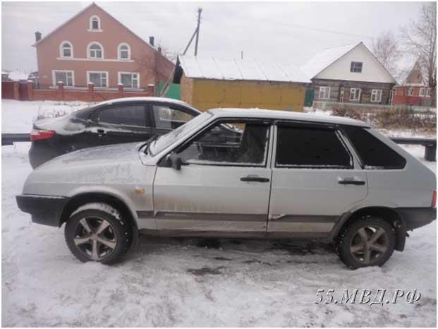 Трое друзей возрастом от 16 до 31 гастролировали по Омской области ради автомобильных краж